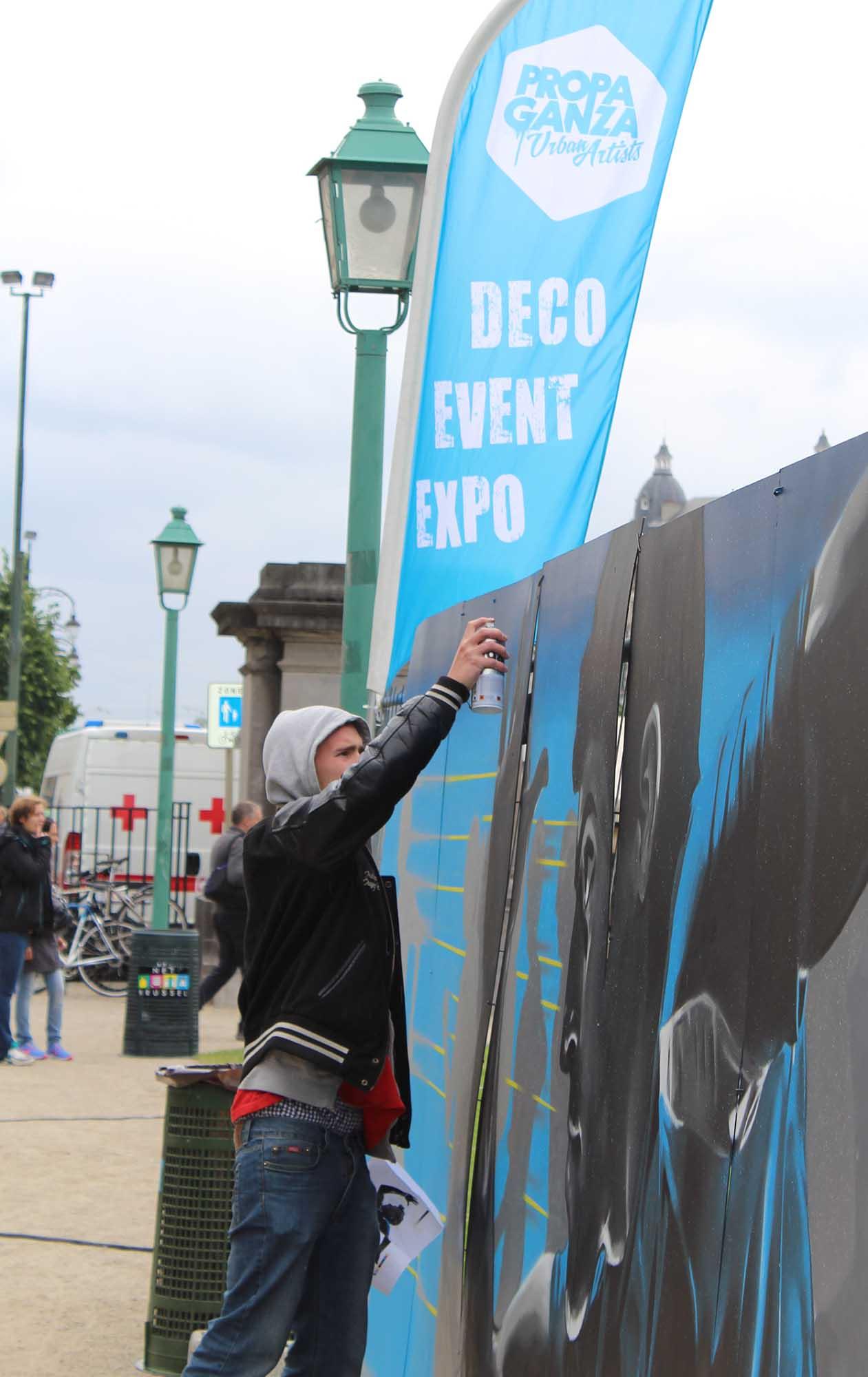 https://www.propaganza.be/wp-content/uploads/2019/04/propaganza-artist-graffiti-graff-street-art-spray-painting-belgique-bruxelles-brussels-fresque-live-show-20-km-2015-2.jpg
