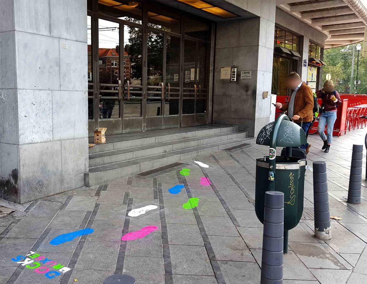 propaganza-guerilla-marketting-peinture-sol-spraypaint-ground-jeu-piste-docks-bruxsel-2-1280x989.jpg