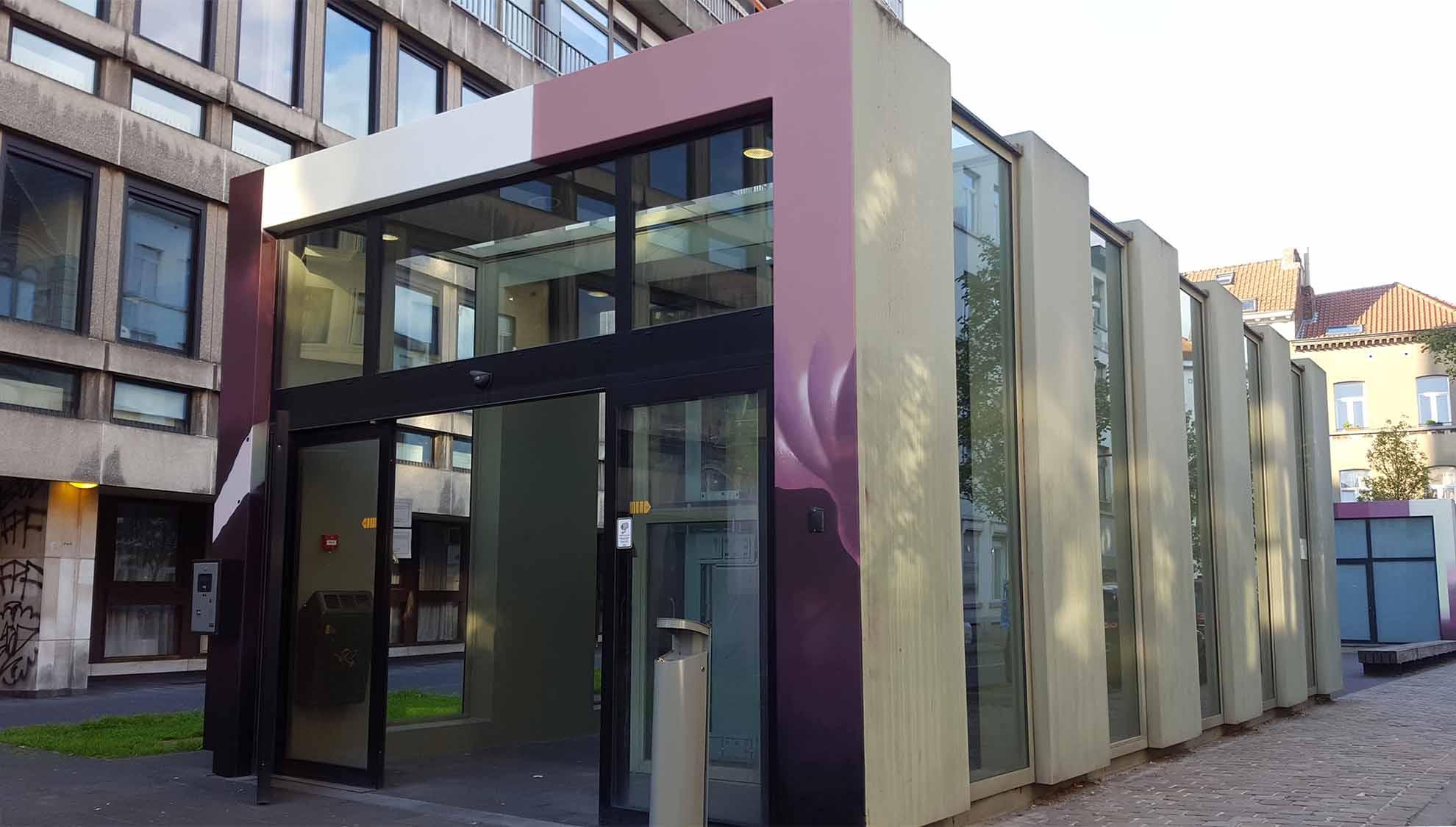 https://www.propaganza.be/wp-content/uploads/2019/05/Propaganza-ixelles-bruxelles-graffiti-workshop-street-art-tulipe-4.jpg
