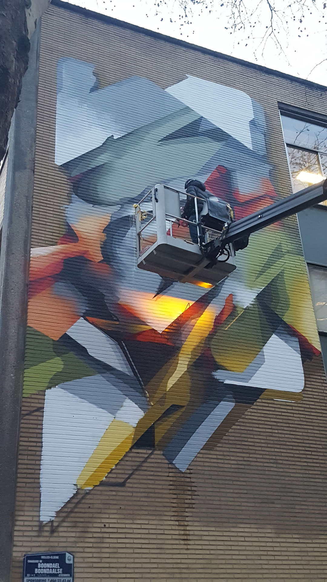 https://www.propaganza.be/wp-content/uploads/2020/02/coordination-fresque-_-artiste-DOES-_-commune-dIxelles3.jpg