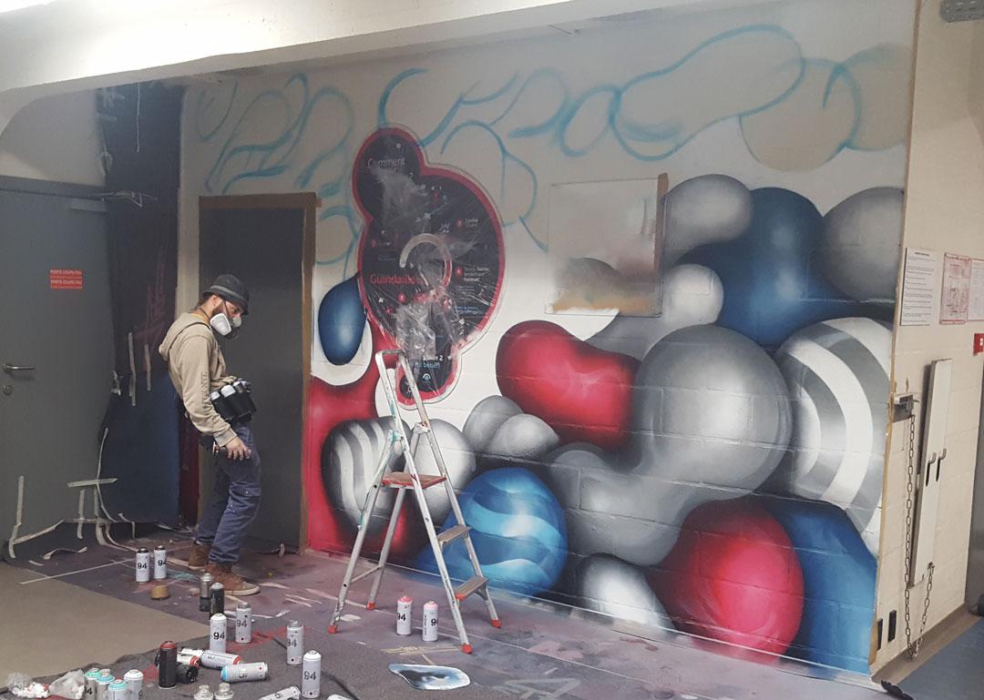 https://www.propaganza.be/wp-content/uploads/2020/02/deco-indoor-_-artiste-Adrien-Roubens-_-Louvain-La-Neuve-copie.jpg