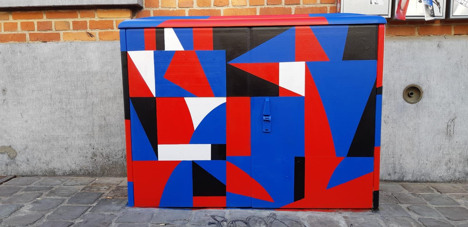 https://www.propaganza.be/wp-content/uploads/2020/02/mobilier-urbain-_-artiste-B-Hendlisz-_-Ixelles3-copie.jpg